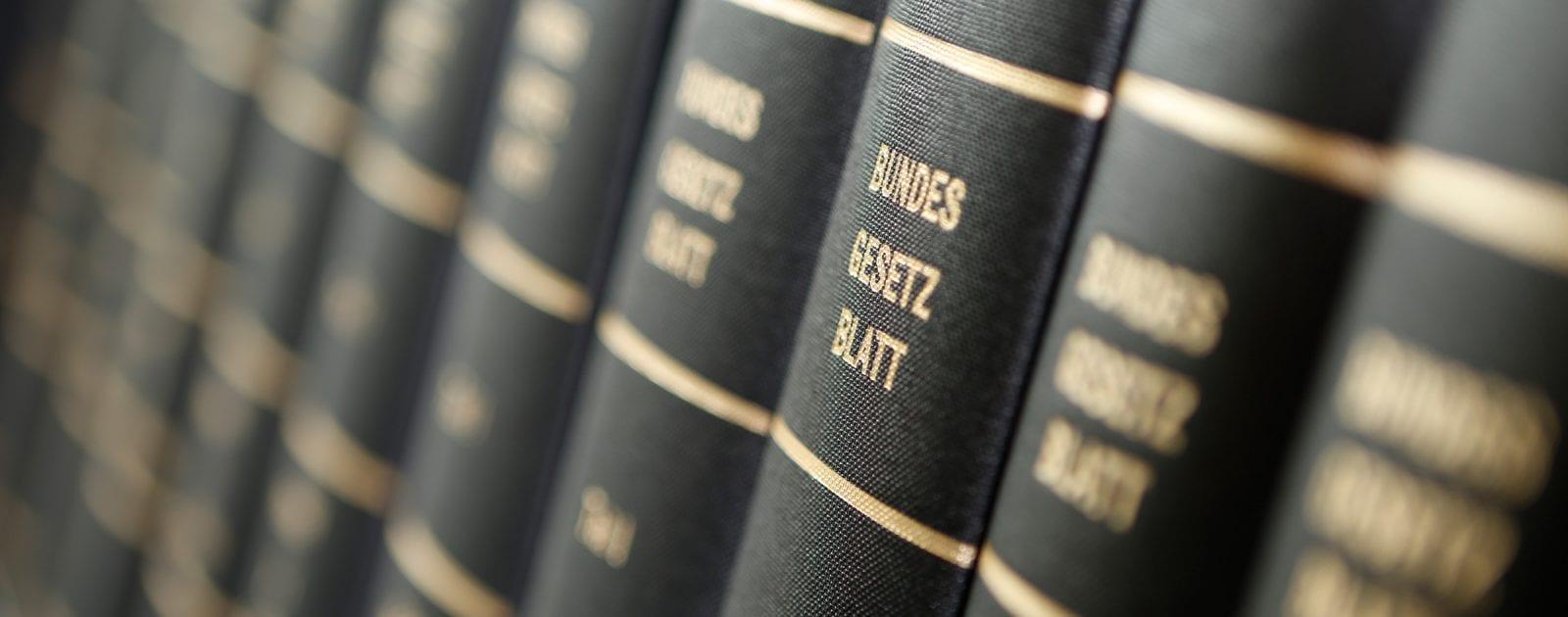 RKM Anwaltskanzlei Notar Göttingen Gesetzesbücher